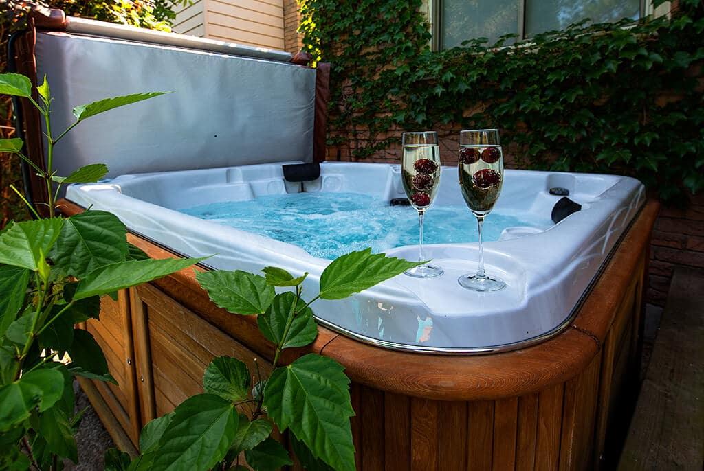 Garden hot tub