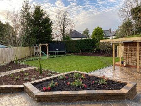 Historic Bracken, Tegula Setts Charcoal & Garden Stone Bracken