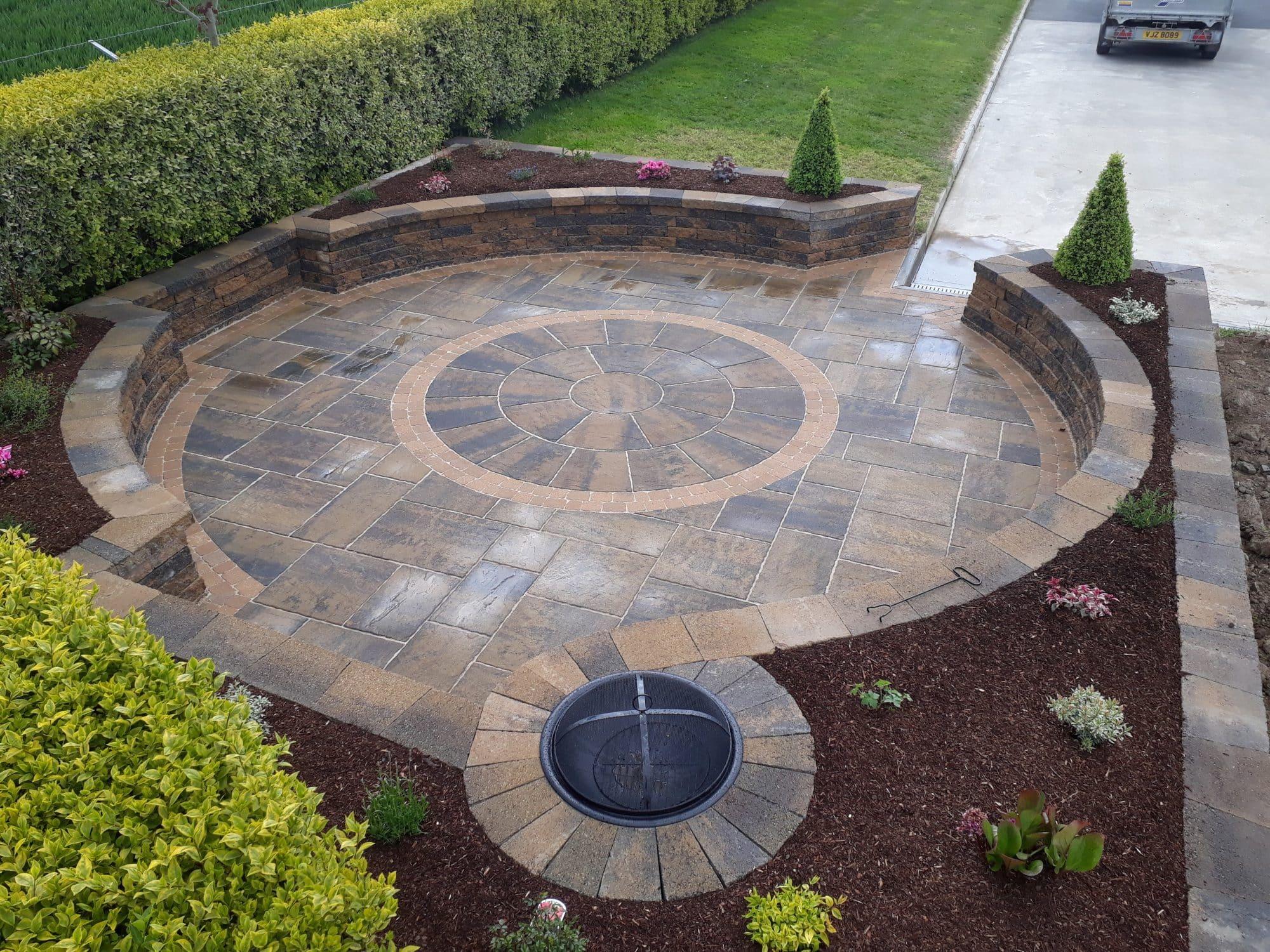 tobermore-historic-flags-circle-bracken-tegula-setts-golden-secura-lite-bracken-greenhill-garden-solutions-mytobermore-1.jpg
